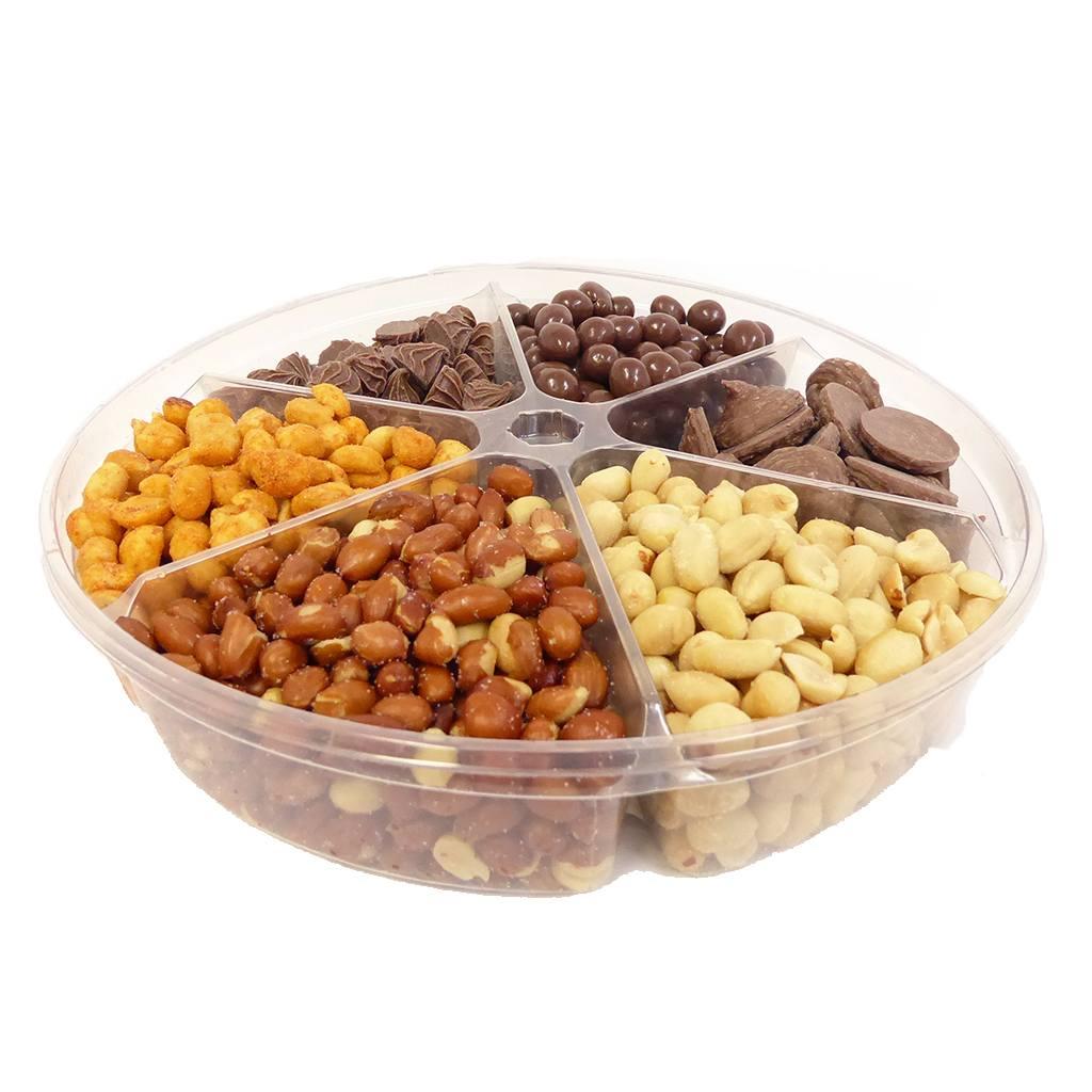 Arachides et chocolats assortis