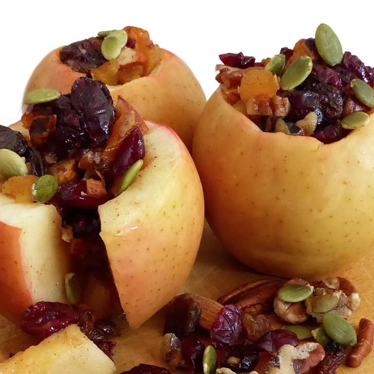 Pommes farcies cuites sur la braise