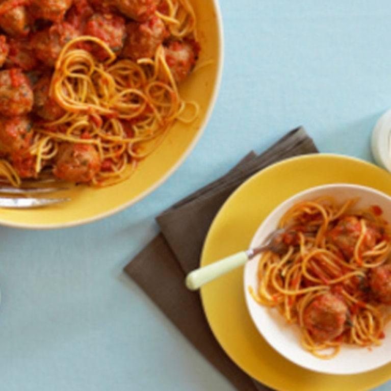 spaghetti et boulettes de lentilles et de noix